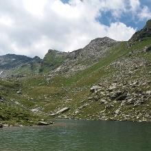 Blick über den See zur Seemannwand, 2822 m.
