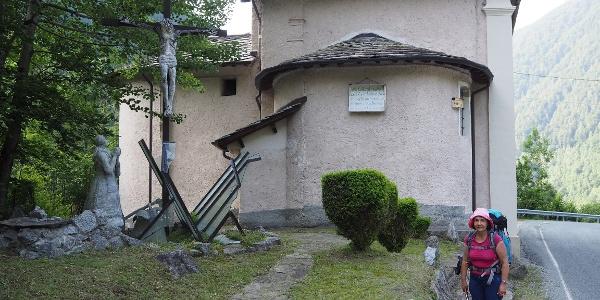 Kapelle mit Denkmal für Handwerker