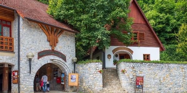 A Baradla barlang jósvafői bejárata