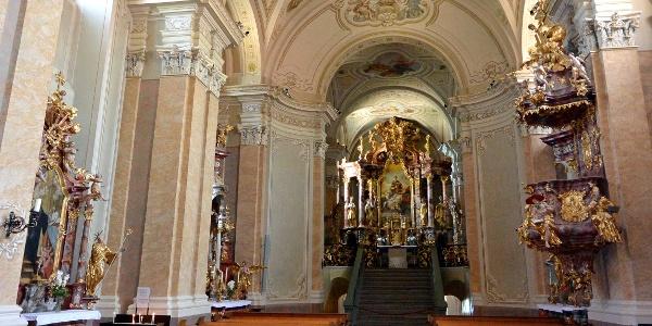 A tihanyi apátság templomának belső tere