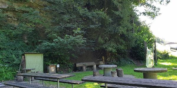 Grillstelle und Spielplatz Blüömatt