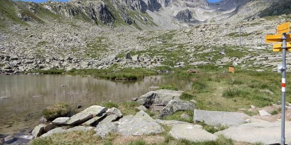 Gendusas Dadens erster See mit Grillstelle
