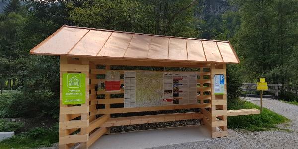 Das Informationsportal Hopfriesen mit Wanderkarte und Beschilderung