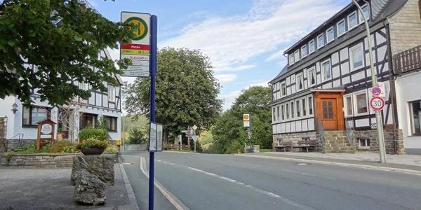 """Haltestelle """"Kirche"""" in Schmallenberg - Nordenau"""