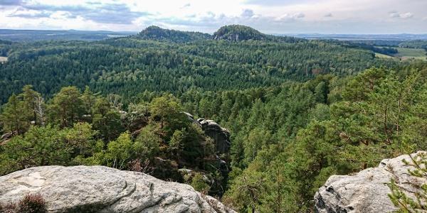 Blick vom Rauenstein zu den Bärensteinen