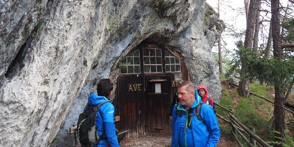 Eingang Höhlenkirche