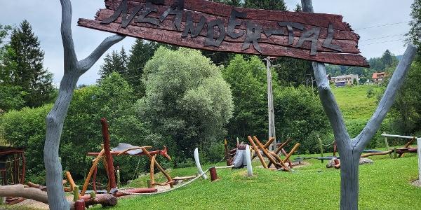 """Abenteuerspielplatz \""""Neander-Tal\"""" in Jungholz"""