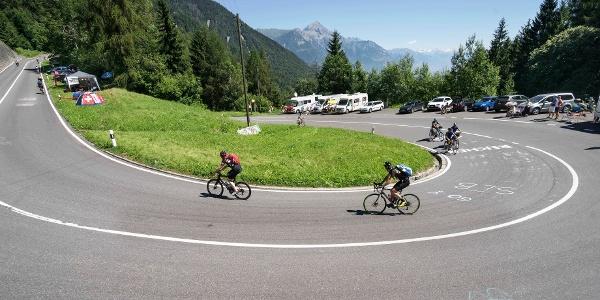 Cyclistes sur le col de la Forclaz pendant le Tour de France