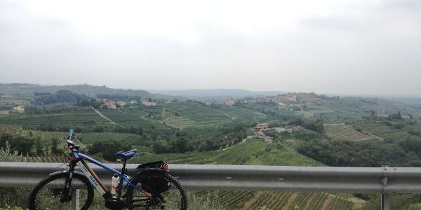 Panoramic views along the way from Kozana to Šmartno