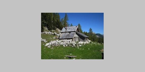 Bregarjevo zavetišče - knapp nach der Koča na Pl. pri Jezeru