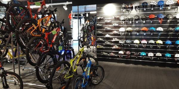 Grosse Auswahl an Bikes