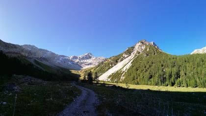 Auf dem Weg zur Oberzalim-Hütte