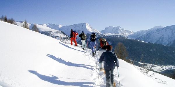 Une vue fascinante sur les Alpes valaisannes
