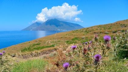 An der Südspitze von Lipari: Blick nach Salina