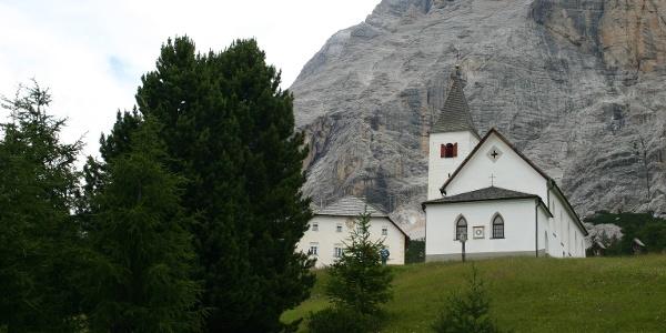 Das Heiligkreuzkirchlein, der höchste Punkt der Familienwanderung