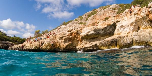 Schöner Felsen zum Relaxen und um gute Kletterer zu bestaunen.
