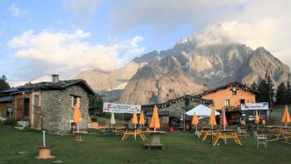 Morgen am Rifugio la Maison Vielle am Col Checroui.(1.956 m)