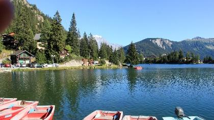 Im idyllischen Ferienort Champex, hier der See, setzen wir unsere Wanderung fort.