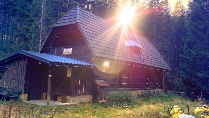 Idyllisch gelegene Hauereck-Hütte des ÖTK