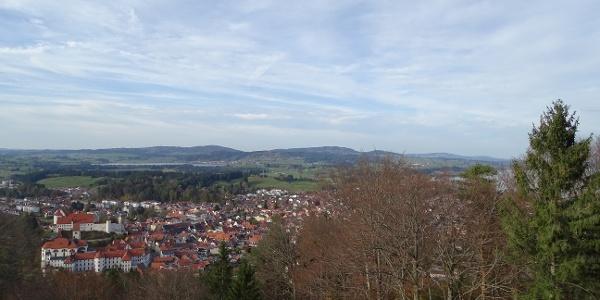 Blick auf das Hohe Schloss von Füssen vom Kalvarienberg aus