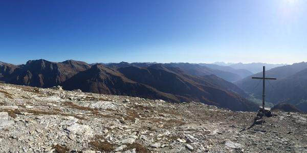 Panoramablick vom Gipfel