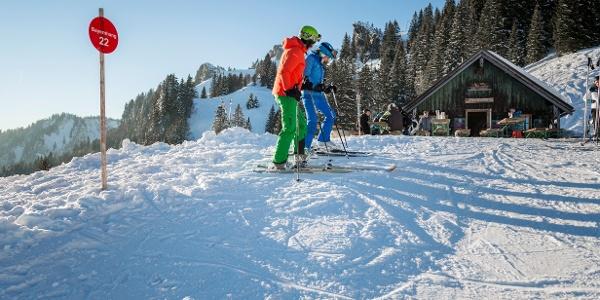 Skilehrer mit Schüler am Brauneck