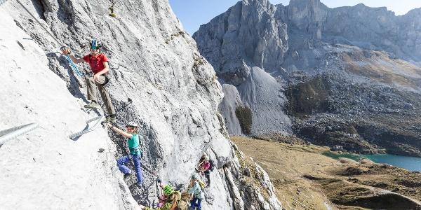 Beste Kalkwände für den Familien-Klettersteig Partnunblick