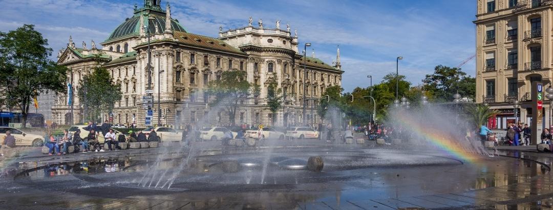 Brunnen am Karlsplatz in München
