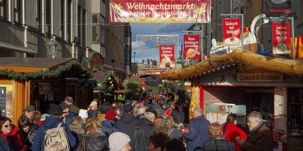 Traditioneller Weihnachtsmarkt an der Frauenkirche