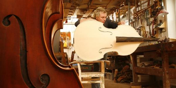 Erlebniswelt Musikinstrumentenbau - Cellowerkstatt