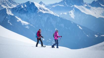 Faszinierende Bergwelt entlang des Schneeschuh-Trails
