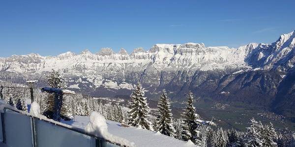 Aussicht Berghotel Schönhalden zu den Churfirsten