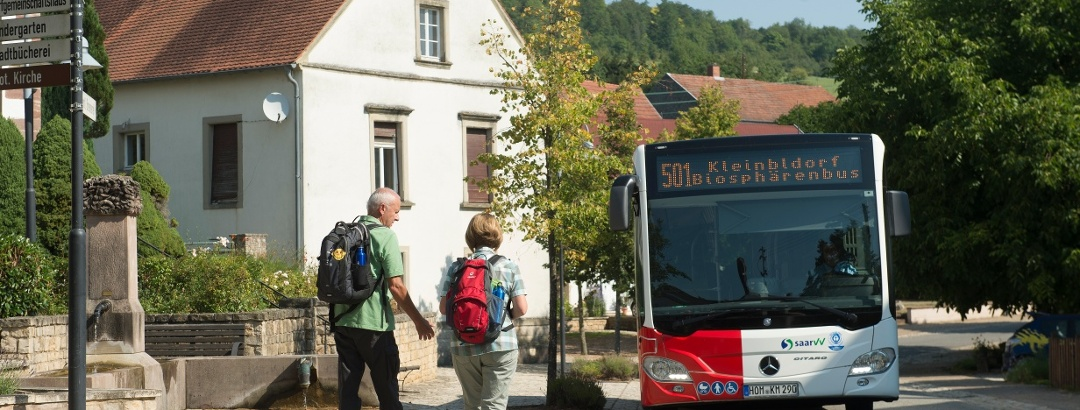Mit Bus & Bahn zur Wanderung