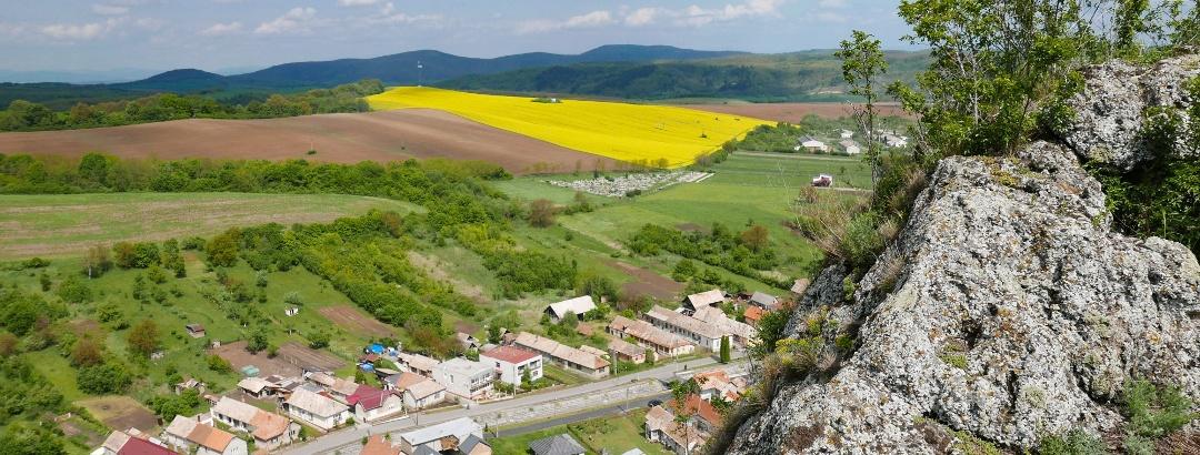 Sőreg falva a szikláról fotózva