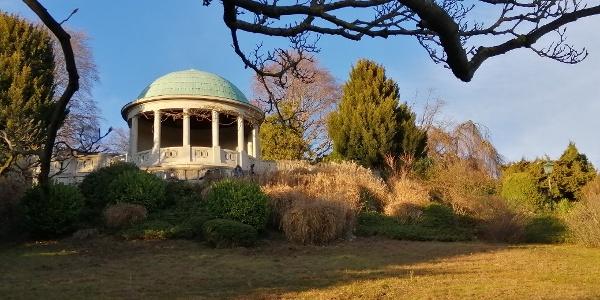 Der 1927 errichtete Beethoventempel ist ein Wahrzeichen des Kurparks Baden