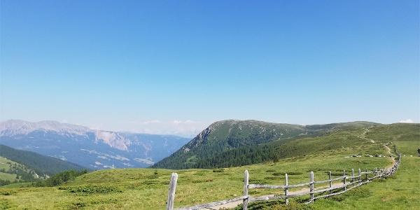 Schöne Aussichten auf die umliegende Bergwelt