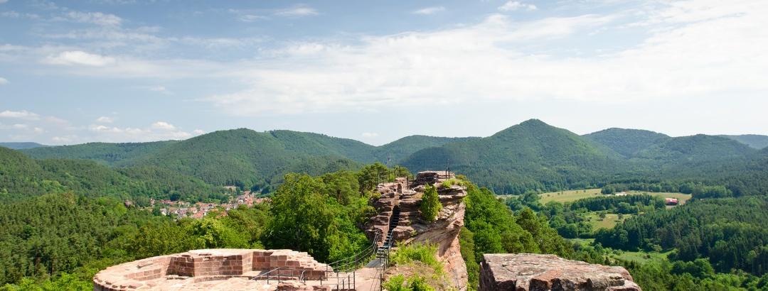 Auf der Burgruine Altdahn im Dahner Felsenland