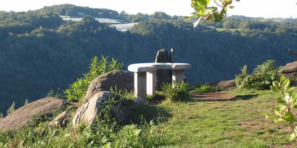 Détour à la table d'orientation de la Roche d'Allassac