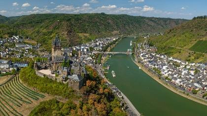 Hoch über Cochem thront die Reichsburg der Stadt