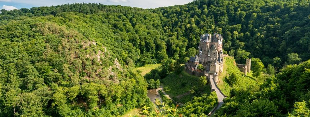 Blick auf die Burg Eltz