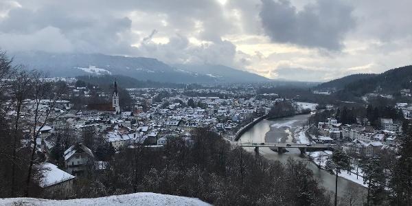 (winterlicher) Blick vom Kalvarienberg in den Isarwinkel