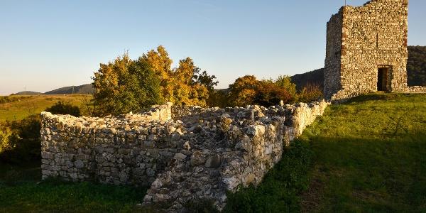 Az Essegvár megmaradt romjai