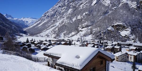 Täsch mit Blick Richtung Zermatt