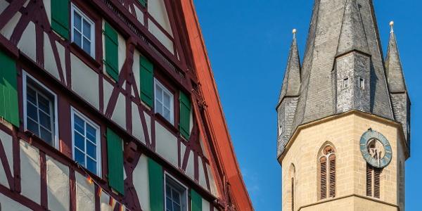 Schwebegiebelhaus + Kath. Kirche, Eppingen