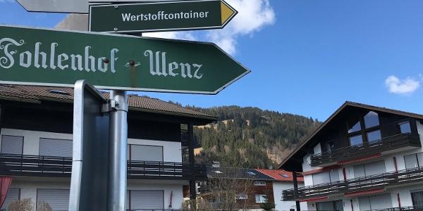 Wegweiser Richtung Riedle, Dietrichs, Ofterschwang