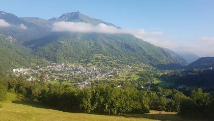Vue sur Laruns dans la montée du col d'Aubisque