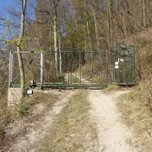 Der Eingang zum Gehege - Wenn ihr die Regeln befolgt und auf den markierten Wegen bleibt werdet ihr den Gipfel nicht erreichen. Viele andere Leute waren aber auch am Gipfel.