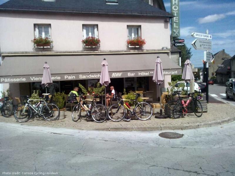 Pause cycliste à Egletons