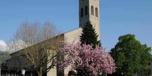 Katholische Pfarrkirche Zum Göttlichen Erlöser