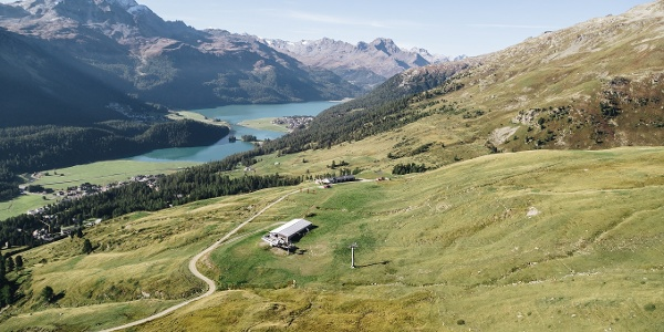 auf der Via Engiadina oberhalb von St. Moritz